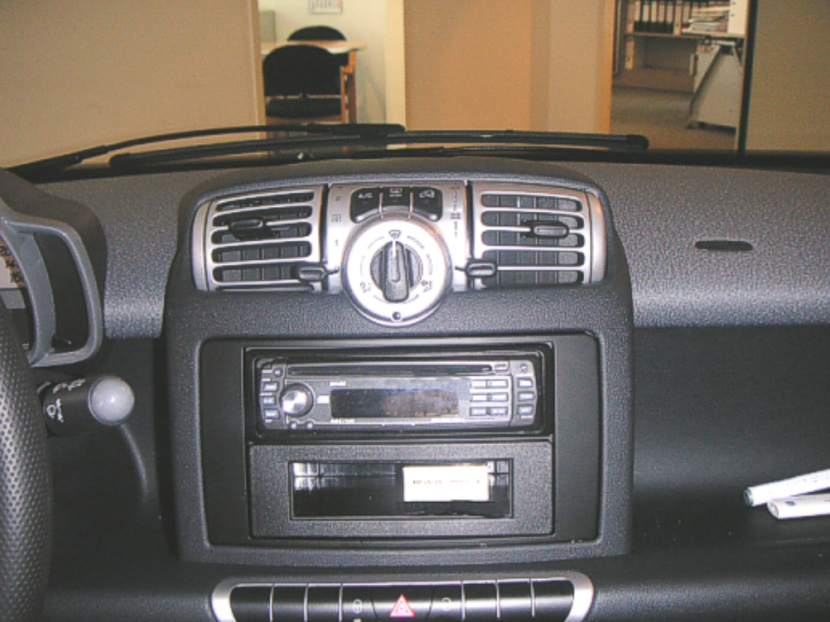 DIN radio frame with center console (451 till 9/2010) - smart ...